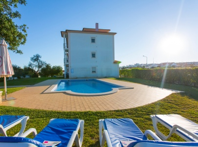 3 Bedroom Apartment with Pool, Old Town, Albufeira