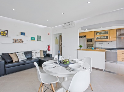 *NEW* 2 Bedroom apartment with sea view near the Old Town, Albufeira