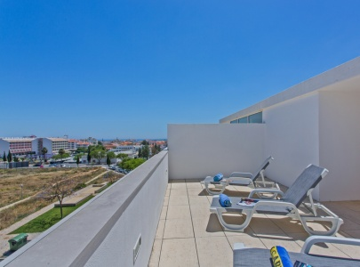 *NEW* Apartment in Albufeira with terrace, BBQ & sunbeds