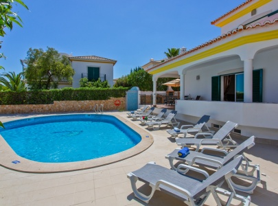 *NEW* Stunning 4 bedroom villa with pool & BBQ in Albufeira