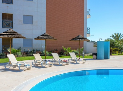 Apartment in Parque da Corcovada in Albufeira with Views