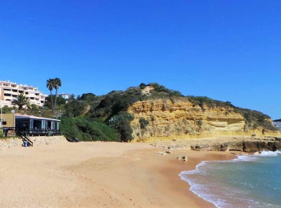 Beach Front Apartment in Albufeira with Sea Views
