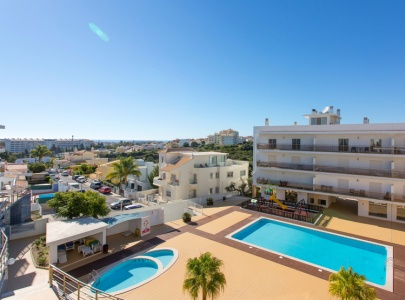 Lovely Apartment in Albufeira with fabulous views, Wi-Fi, UK TV