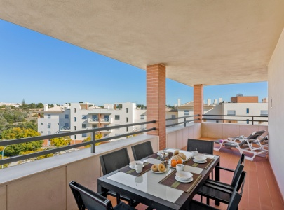 Luxury Penthouse Apartment in Albufeira with Sea Views