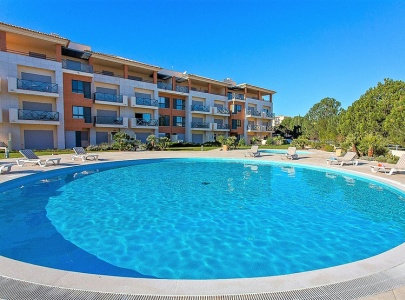 Pool-Side Apartment in Parque da Corcovada, Albufeira