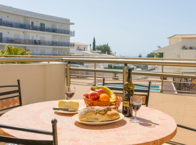 Superb Pool-side Apartment in Albufeira in Solario de Sao Jose, Wi-Fi, UK TV